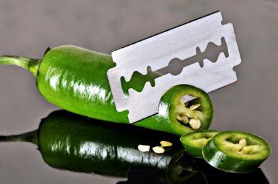 razor blade, cutting
